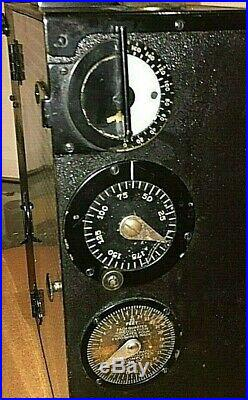 Universal 35mm Motion Picture Camera Hand Cranked Lens, Tripod, Circa 1915