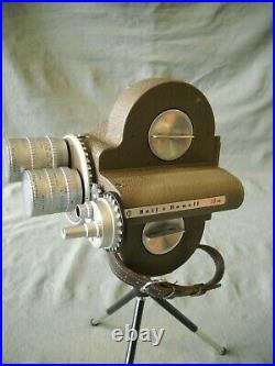 Vintage Bell & Howell 70hr 16 MM Camera W / Angenieux Lens 3 F2.5, & 1 F0.95