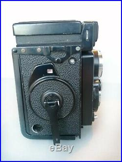 YASHICA MAT 124G Twin Lens Reflex. YASHINON 80mm F3.5 Medium Format TLR Good Con